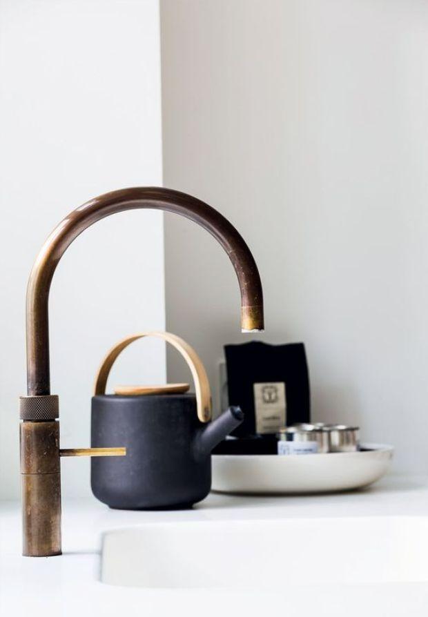 Grifo de cocina en latón/bronce estilo zen