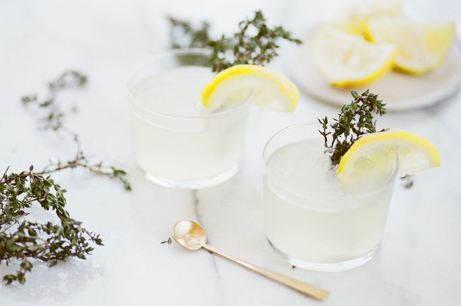 Limonada en los centros de mesa, para tu casa este verano
