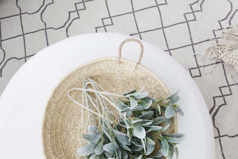 Alfombra de fibras naturales estilo kilim, para decorar tu casa en verano
