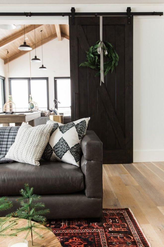 Decoración de interiores de estilo farmhouse moderno con accesorios navideños de tonos neutros @Utrillanais