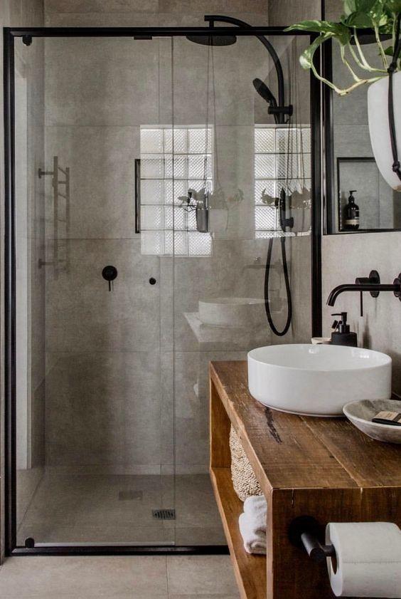 Baño de estilo industrial rústico con grifería en negro mate @Utrillanais