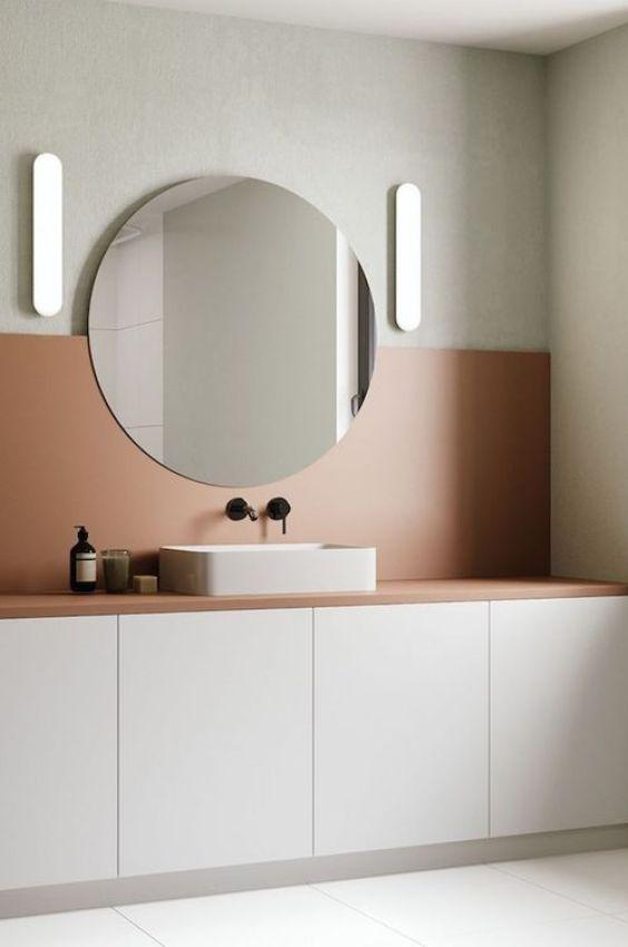 Tendencia en colores 2019 para decoración de interiores, baño en color cantaloupe @Utrillanais