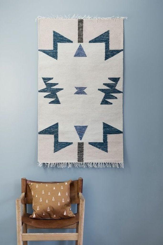 Tendencias decoración de interiores, colgar alfombras, en este caso son de Ferm Living @Utrillanais