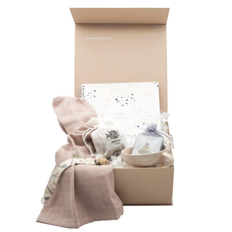 Regalos personalizados, cajas con elementos personalizados, tendencia decoración para Navidad 2020 @Utrillanais