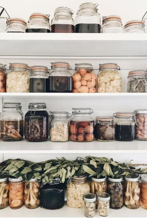 Tarros de cristal y recipientes de cerámica para el almacenaje de alimentos en casa, para reducir al máximo el uso del plástico, tendencias en diseño e interiorismo 2020 @Utrillanais