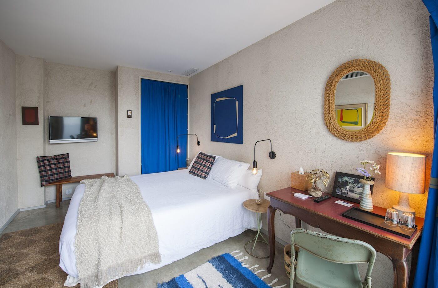 Habitación Hotel Kook en Tarifa, ejemplo contrario de los errores interiorismo alojamiento rural