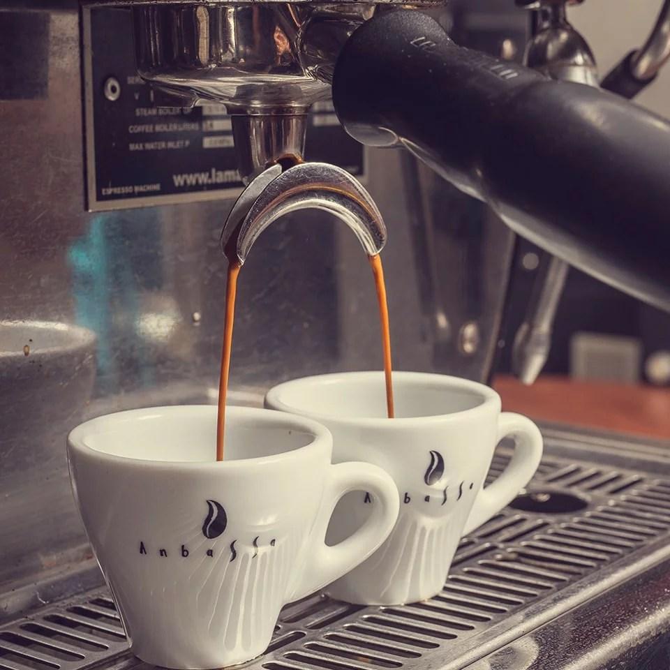 Anbassa-artisan-torrefacteur-preparer-son-cafe-machine-espresso-slider-1-4-min