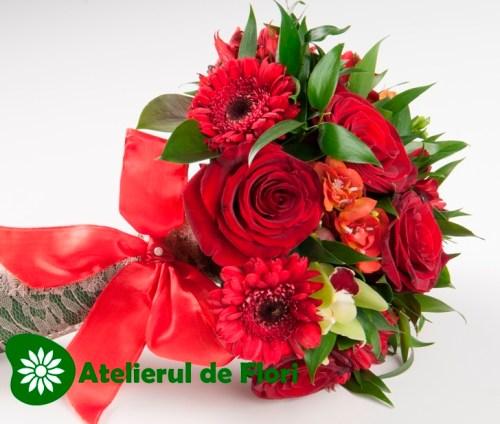Buchet de mireasa rosu cu trandafiri si orhidee