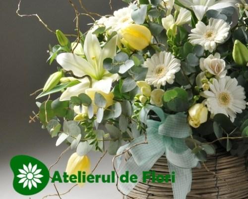 Cos cu flori 8 martie