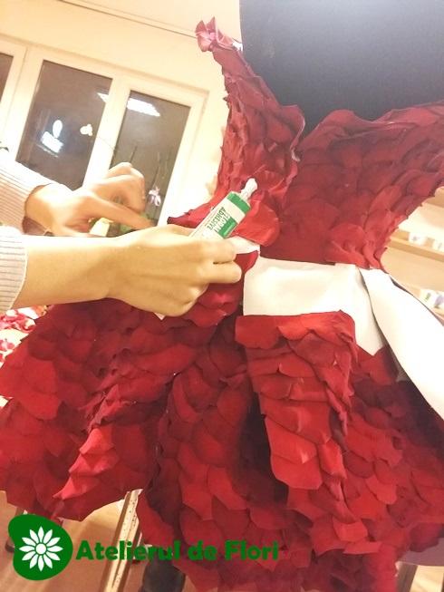 how to make a roses petal dress