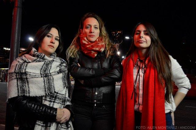 Sonia Silvero, Melanie Tobal y Aranzazu Muraca mirando a cámara.