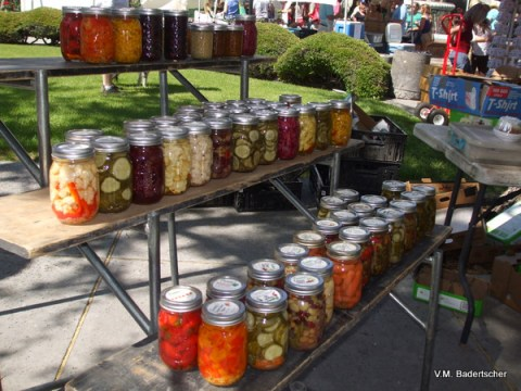 Canned foods at farmer's Market