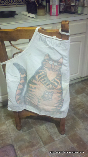 Mom Cat Apron