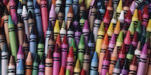 landscape-1456112433-crayons