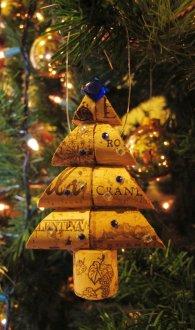 wine-cork-ornaments-1
