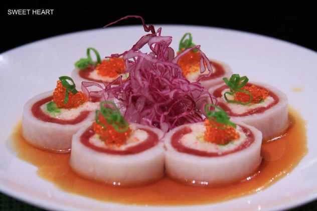 sweet heart sushi roll
