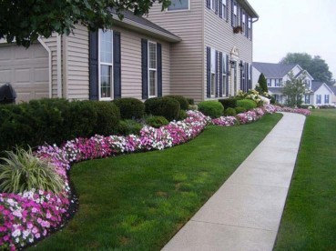 Amazing Front Yard Design Ideas that Makes You Never Want to Leave 02