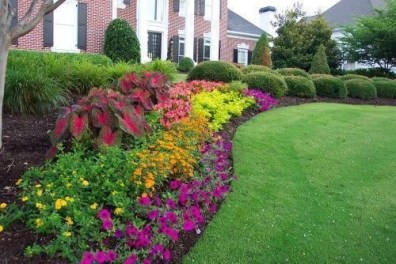 Amazing Front Yard Design Ideas that Makes You Never Want to Leave 12