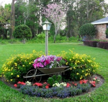 Beautiful Flower Garden for Your Front Yard 45