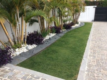 Beautiful Front Yard Landscaping Ideas On A Budget 16