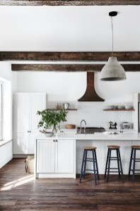 Best DIY Farmhouse Kitchen Decorating Ideas 12