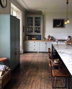 Best DIY Farmhouse Kitchen Decorating Ideas 18