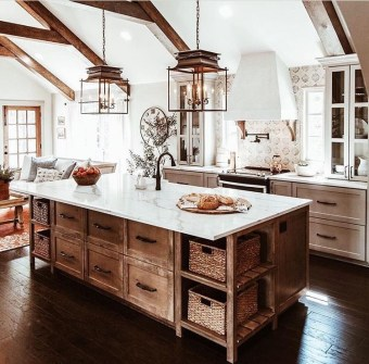 Best DIY Farmhouse Kitchen Decorating Ideas 32