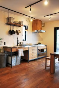 Best DIY Farmhouse Kitchen Decorating Ideas 44