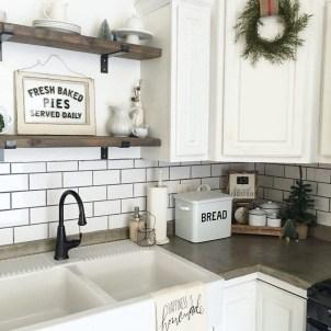 Best DIY Farmhouse Kitchen Decorating Ideas 48