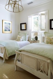 Best Design Small bedroom that Maximizes Style and Efficiency 21
