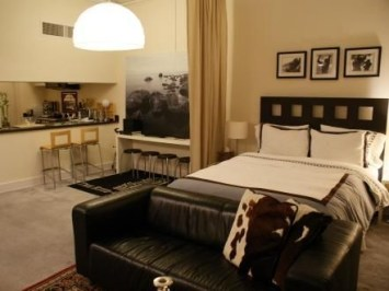 Best Design Small bedroom that Maximizes Style and Efficiency 29