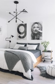 Best Design Small bedroom that Maximizes Style and Efficiency 38