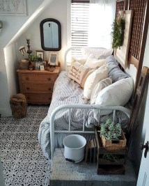Best Design Small bedroom that Maximizes Style and Efficiency 45