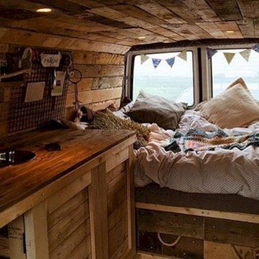 Brilliant Camper Van Conversion for Perfect Outdoor Experience 16