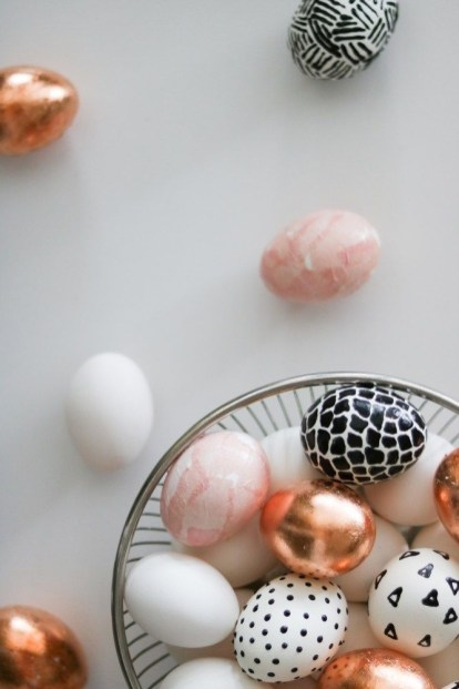 Brilliant DIY Egg Decorating Ideas 43