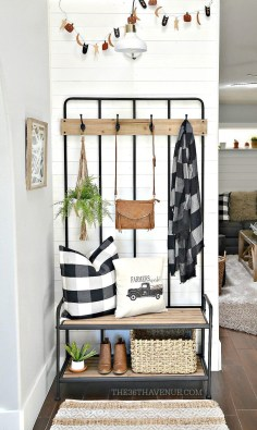 Clever and Creative Decorating Ideas for Small Home 40