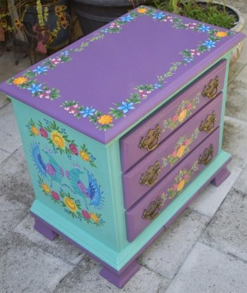 Colorful Furniture Ideas to Makeover your Interior 60