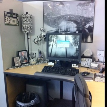 Cubicle Workspace Decorating Ideas 05