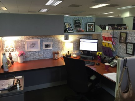 Cubicle Workspace Decorating Ideas 37