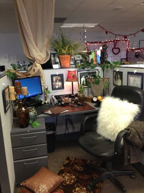 Cubicle Workspace Decorating Ideas 45