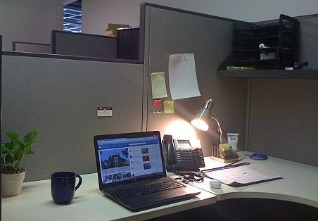 Cubicle Workspace Decorating Ideas 46