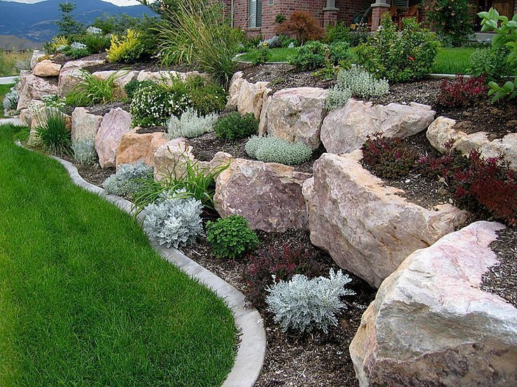 Examples Landscaping Ideas You can Put in House Page 24