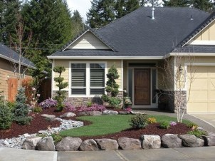 Examples Landscaping Ideas You can Put in House Page 41