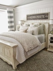 Outstanding Rustic Master Bedroom Decorating Ideas 03