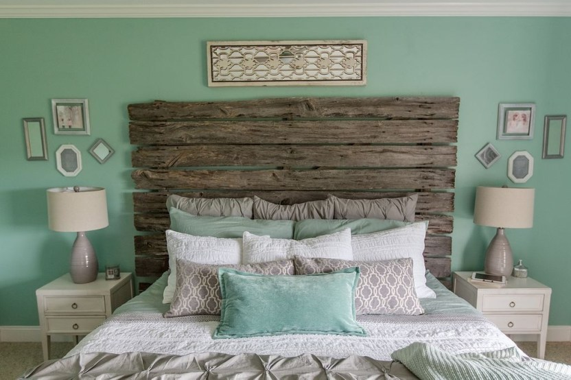 Outstanding Rustic Master Bedroom Decorating Ideas 27