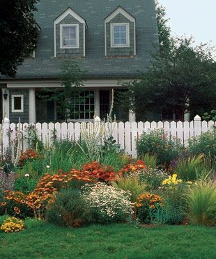 Simple But Beautiful Front Yard Landscaping Ideas 32