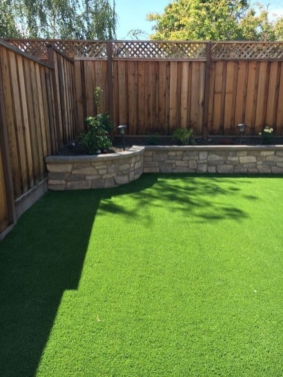 Amazing Privacy Fence Ideas to Perfect Your Backyard 17