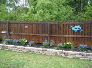 Amazing Privacy Fence Ideas to Perfect Your Backyard 25