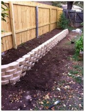 Amazing Privacy Fence Ideas to Perfect Your Backyard 27