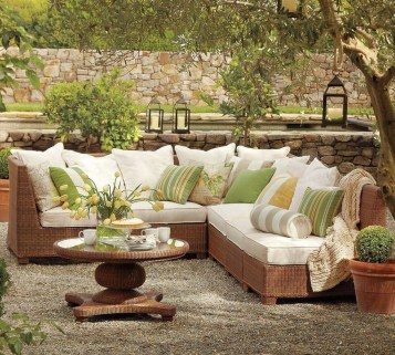 Backyard Patio Ideas That Will Amaze and Inspire You 32